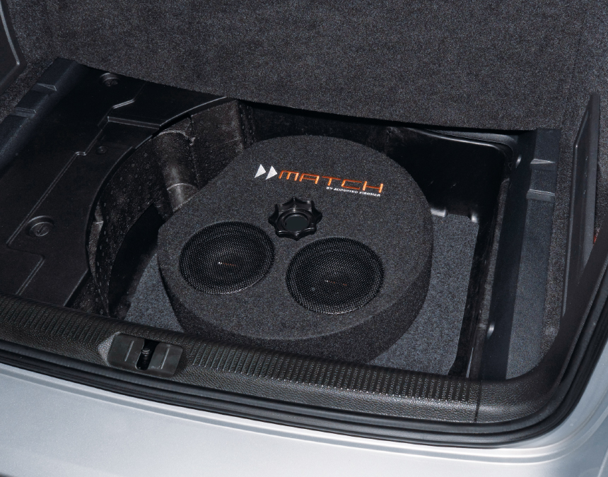 MATCH Subwoofer in Reserveradmulde