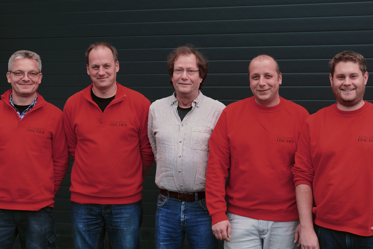 The production and logistics team of Audiotec Fischer
